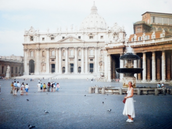 St. Peter's Square, August 1990: nobody's home